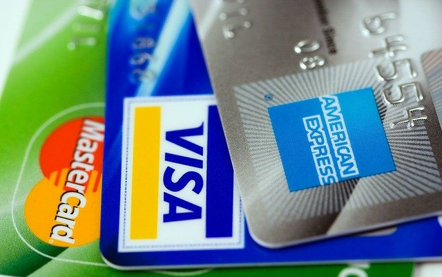 4 Smart & Simple Credit Card Tips